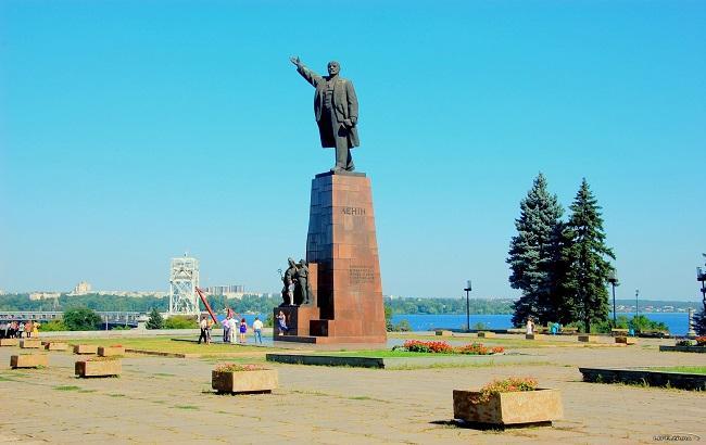 Фото: Памятник Ленину (vv.com.ua)