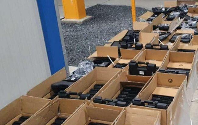 В Украину из Румынии ехал грузовик с рекордным количеством контрабандного оружия