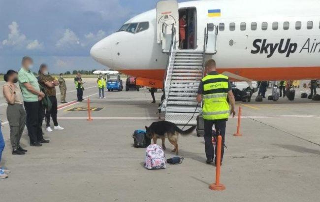 """У аеропорту """"Бориспіль"""" шукали бомбу на літаку. Поліція порушила справу"""