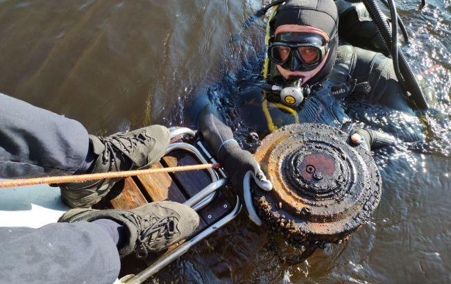 В киевском Гидропарке под мостом нашли мину