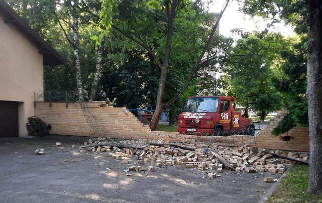 У Мінську пошкодили паркан посольства Латвії. Рига вимагає пояснень