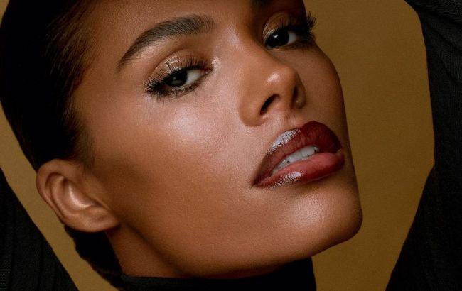 Просто блеск: Тина Кунаки демонстрирует 3 вида макияжа для вечернего выхода