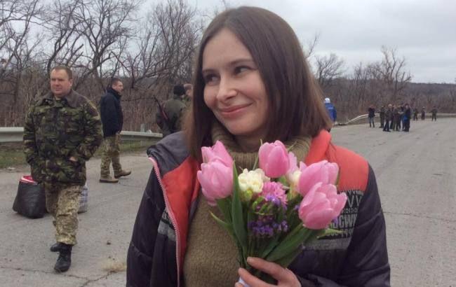 Фото: українська журналістка Варфоломеєва звільнена з полону бойовиків