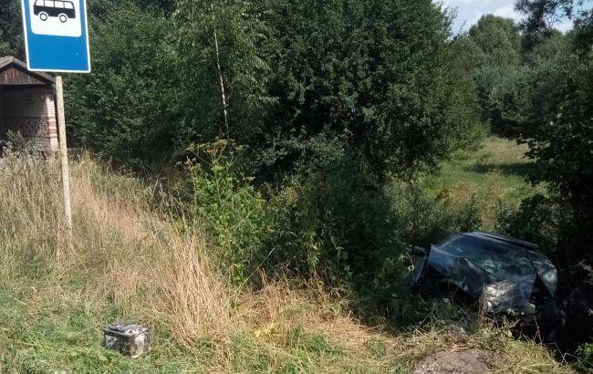 Во Львовской области машина слетела в кювет: пострадало 6 человек, среди них есть дети