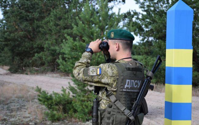 Авіація, катери та службові собаки: Україна посилено охороняє кордон з Білоруссю