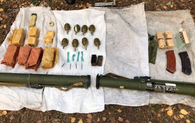 Гранаты, взрывчатка и патроны: на границе с Беларусью обнаружен схрон оружия