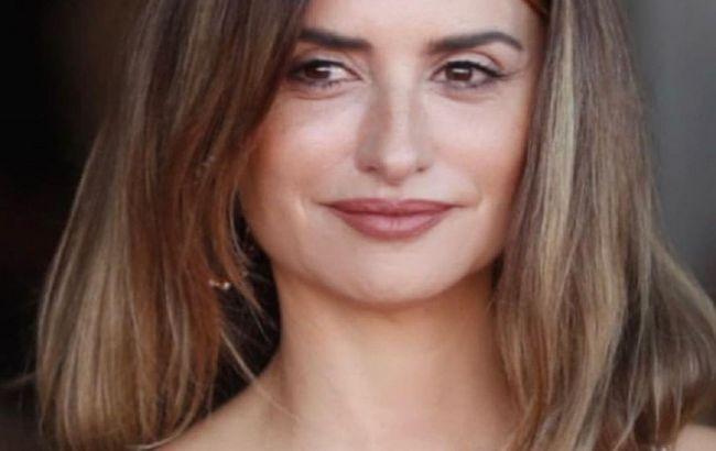 Словно девчонка: 47-летняя Пенелопа Крус омолодилась с помощью нового имиджа
