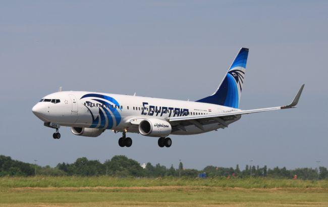 Фото: викрадач літака EgyptAir спочатку просив пілота летіти в Стамбул