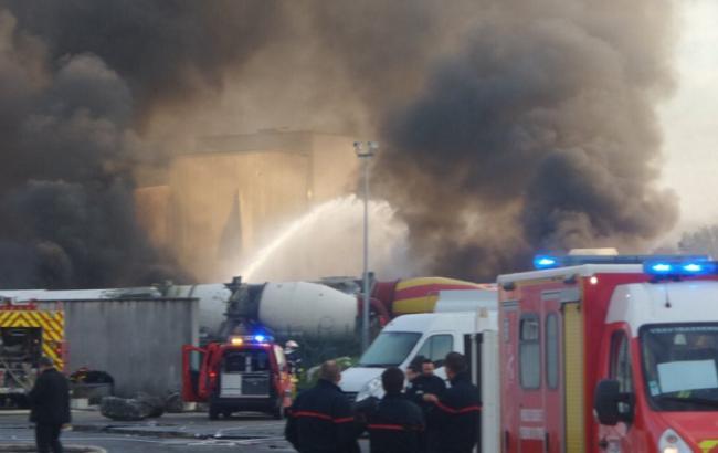 Фото: в промзоне на юго-западе Франции прогремели взрывы