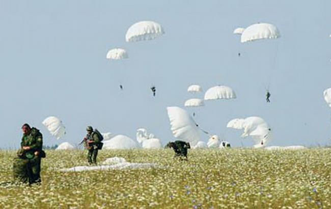 Воккупированном Крыму высадились около 400 русских десантников