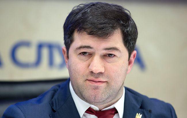 Насирова вывезли на«скорой» из«Феофании», ондоставлен в университет кардиологии (дополняется)