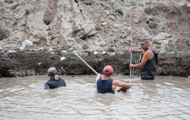 Бойцы Нацгвардии «крышевали» копателей янтаря вРовенской области