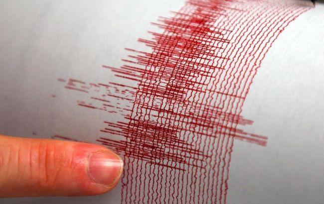 Глубинное землетрясение магнитудой 4,7 произошло возле Курильских островов