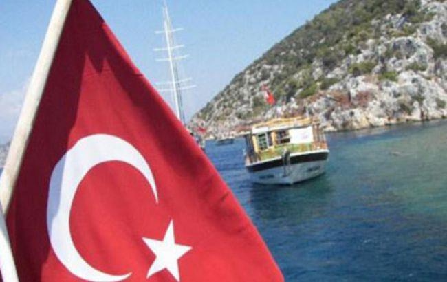 Из-за терактов турпоток в Турцию снизился на треть
