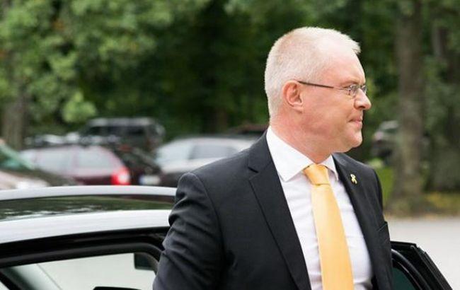 Глава Минобороны Эстонии выступает за расположение техники НАТО вблизи границ страны