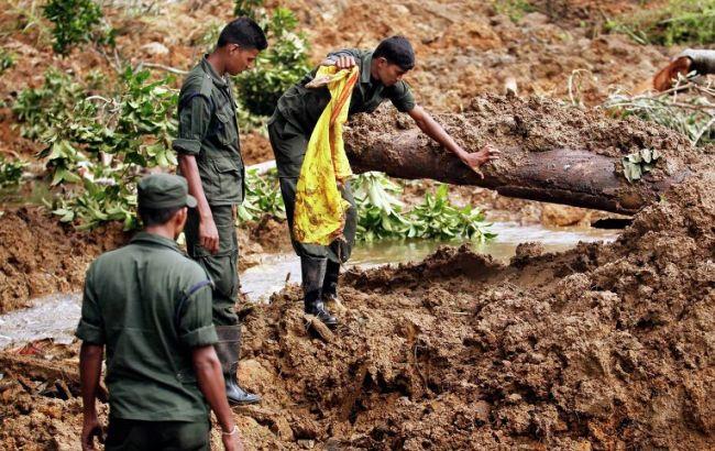 Число погибших от недельных штормов на Шри-Ланке превысило 90