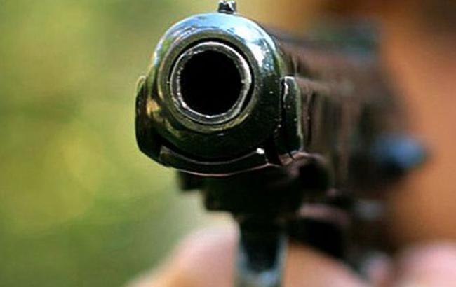 Фото: в США неизвестные расстреляли несколько машин