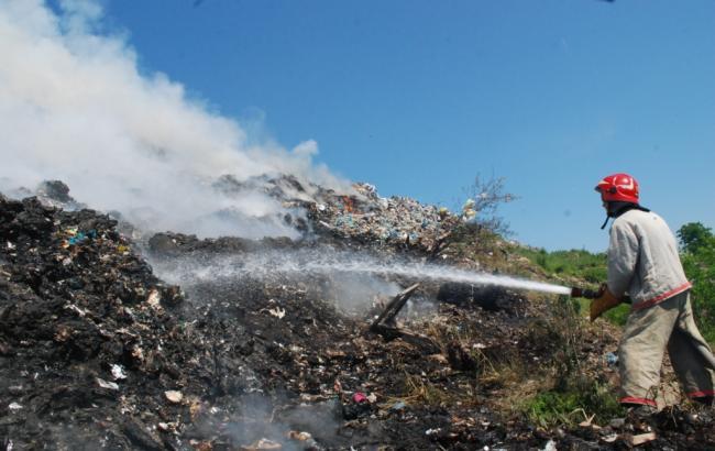 Пожар во Львовской области: спасатели ликвидировали возгорание на свалке