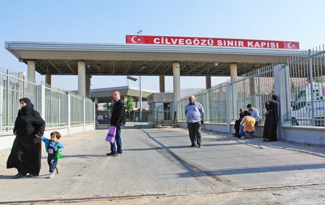 Фото: граница была закрыта Турцией