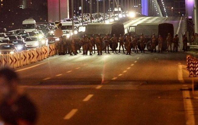 Фото: влада Туреччини стверджує, що в перевороті були 246 одиниць бронетехниики