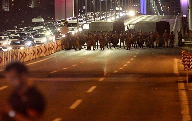 Фото: переворот в Турции подавлен