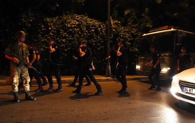 Фото: солдати до цього контролювали міст через Босфор