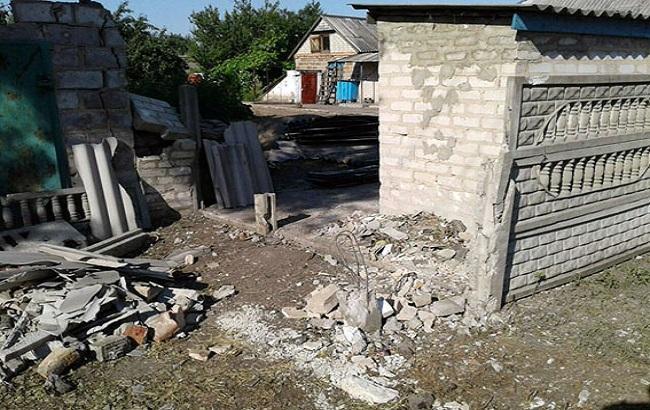 Фото: террористы обстреливают жилой сектор в Донецкой области