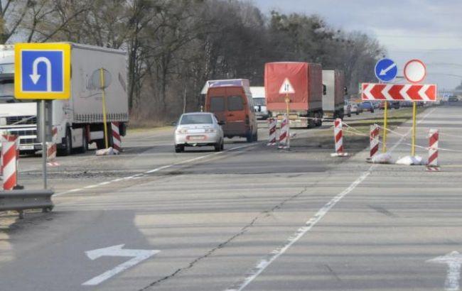 Фото: дороги в п'яти обастях виявилися неготовими до погіршення погоди