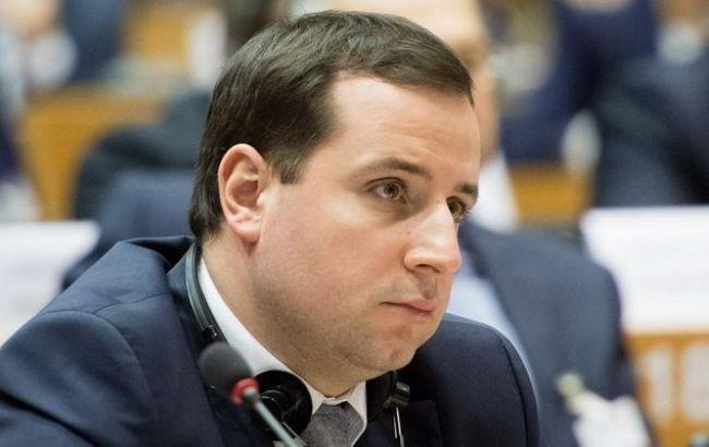 Фото: міністр Кабінету Міністрів Олександр Саєнко розповів про впровадження електронного документообігу в КМУ