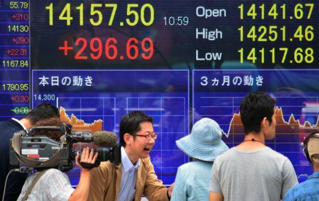 Впервые после взрыва на Фукусиме Япония показала положительное торговое сальдо