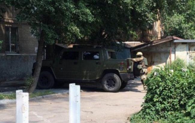 Фото: в Днепре мужчина открыл стрельбу из окна своей квартиры