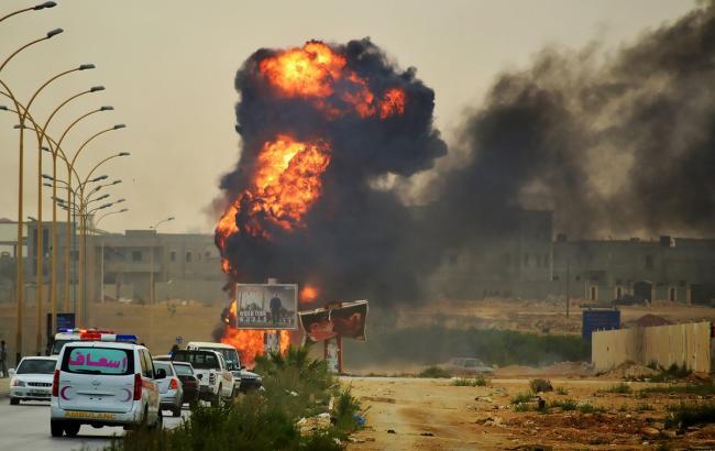 Фото: у Лівії підірвався смертник, десятки постраждалих