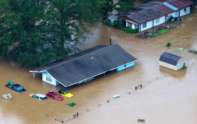 Фото: в Луизиане в результате наводнения погибли люди