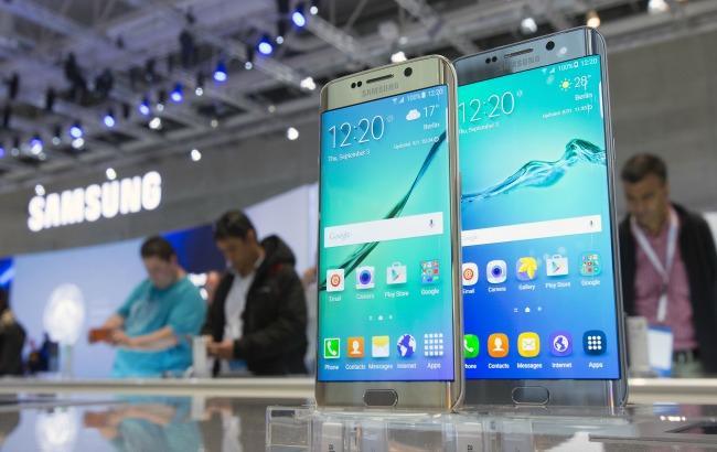 Фото: Samsung буде продавати старі смартфони (ibtimes.com)
