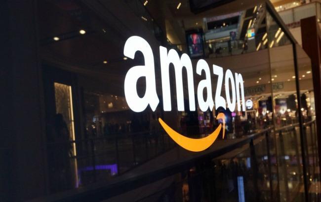 Фото: Amazon тестує почтоматы на заправках (gizmonews.ru)