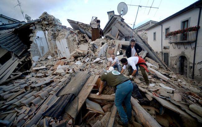 Фото: серед жертв землетрусу в Італії українців немає
