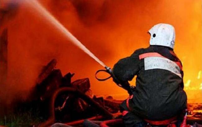 Фото: пожар на Демеевском рынке