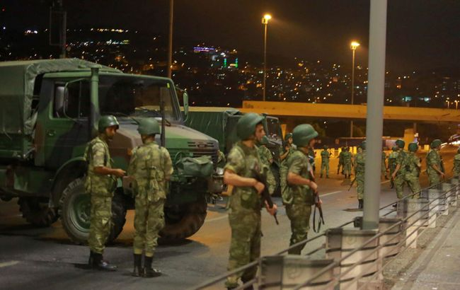 Фото: спроба військового перевороту в Туреччині