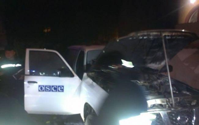 Фото: в Ивано-Франковске подожгли авто ОБСЕ
