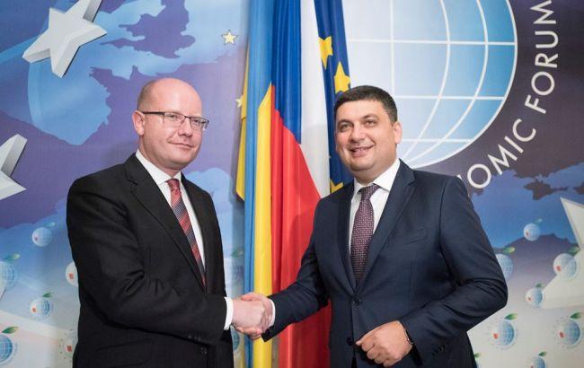 Фото: Гройсман провел переговоры с премьер-министром Чехии Богуславом Соботкой