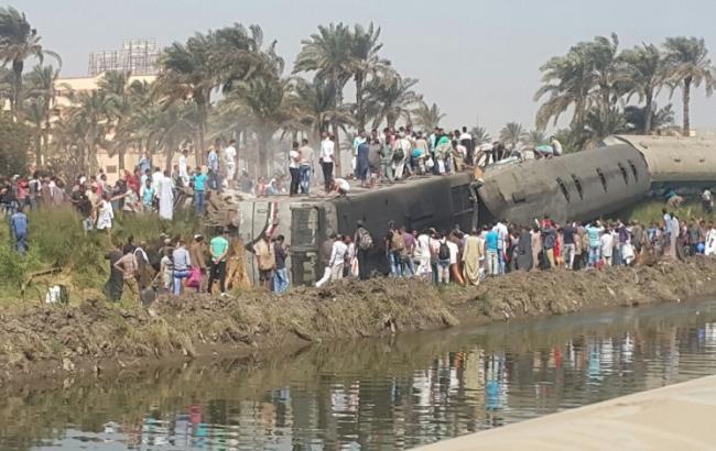 Фото: авария поезда в Египте