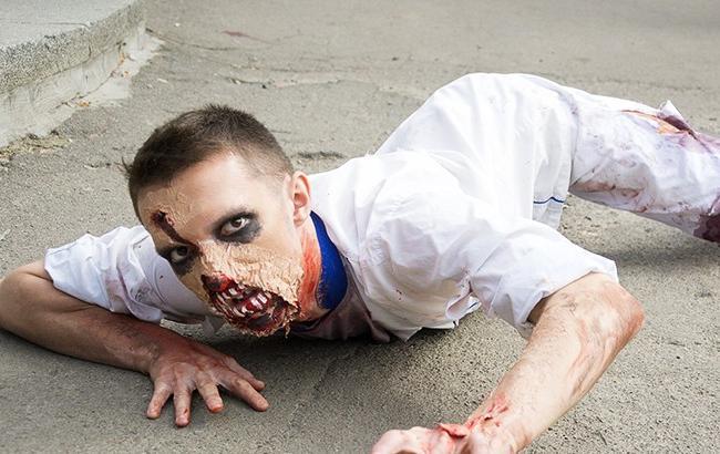 В центре Киева прошел ужасающий зомби-парад