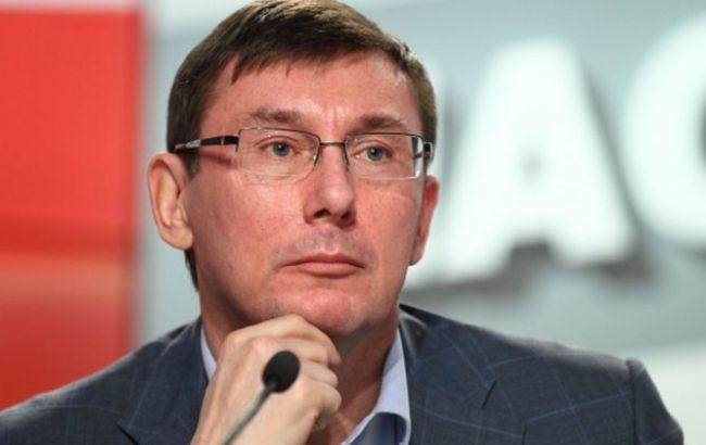 Фото: у харківського депутата при обшуках виявили 300 тис. доларів