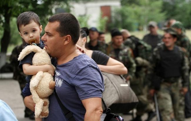Фото: У беженцев с Донбасса отбирают приюты (thekievtimes.ua)