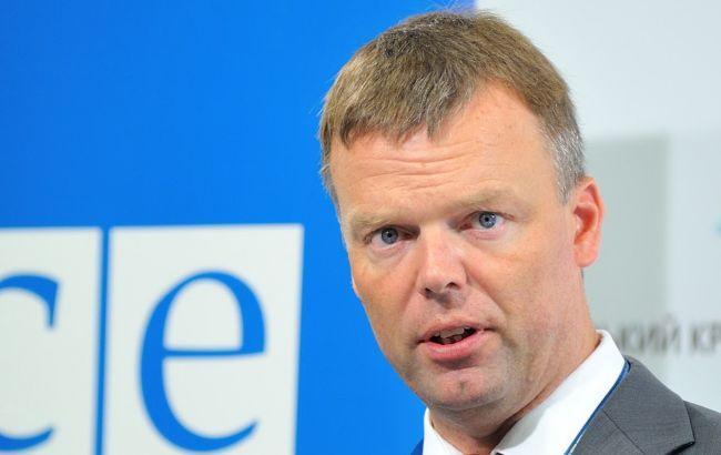 «Параллельная реальность» ОБСЕ: Хуг объявил озатишье вДонбассе