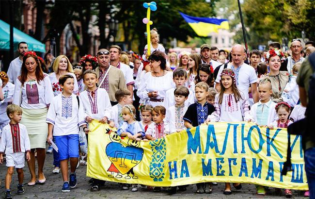 Фото: Девятый мегамарш вышиванок в Одессе (timer-odessa.net)