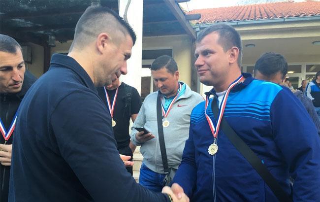 Фото: Івіца Пірич і боєць АТО (mil.gov.ua)