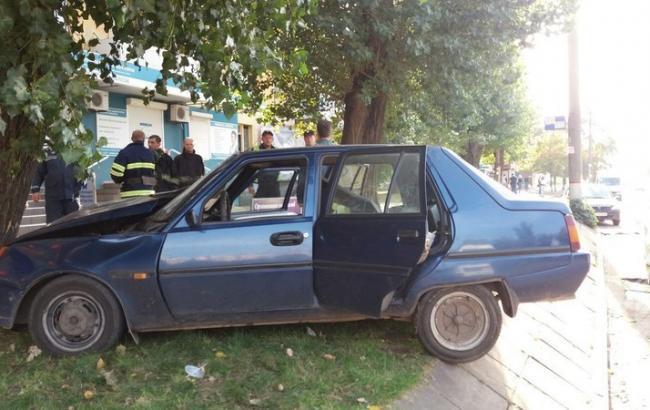 Фото: ДТП у Кривому Розі 1tv.kr.ua)