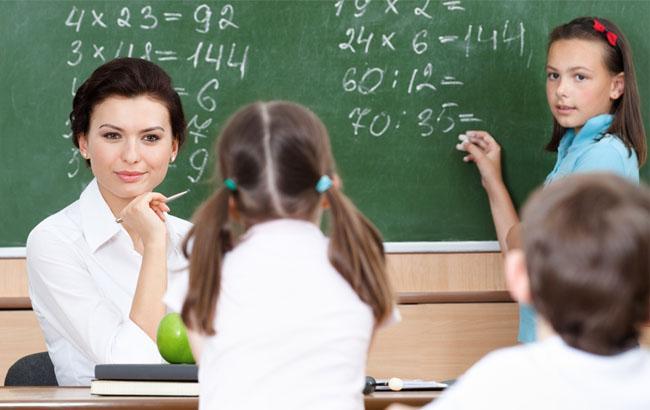 ВЛатвии празднуют День учителя (4)