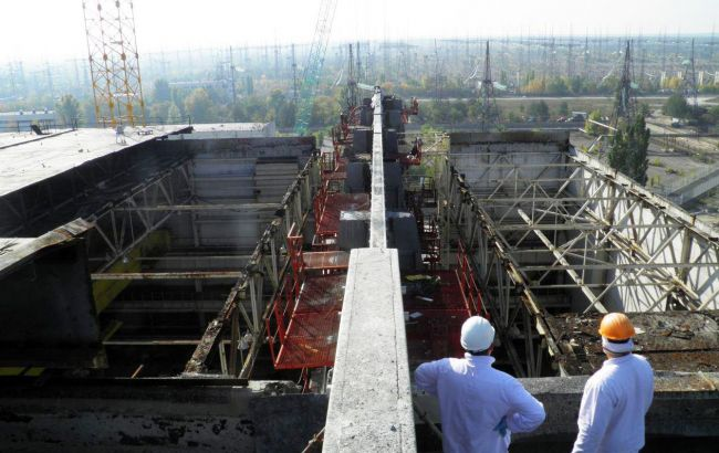 Фото: на ЧАЭС завершилось строительство ограждающего контура
